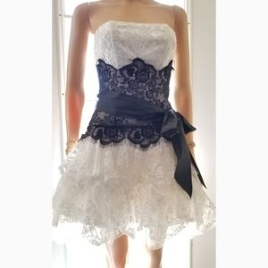 Fiesta Short Poof White/Black Lace Dress, XS